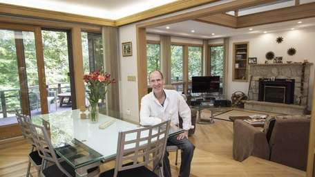 Paul Bikoff in the dining area of his