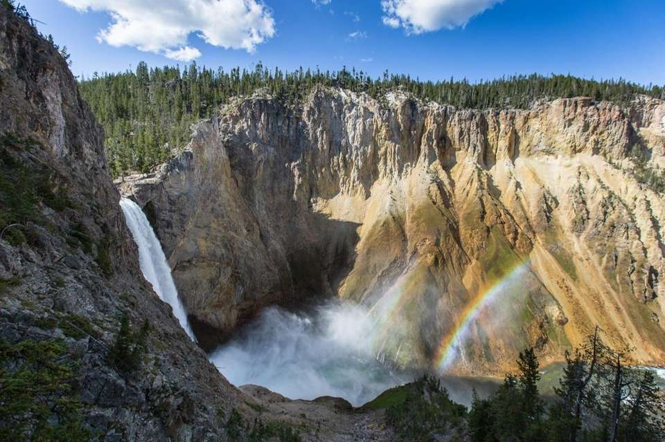 Uncle Tom?s Trail in Yellowstone National Park in