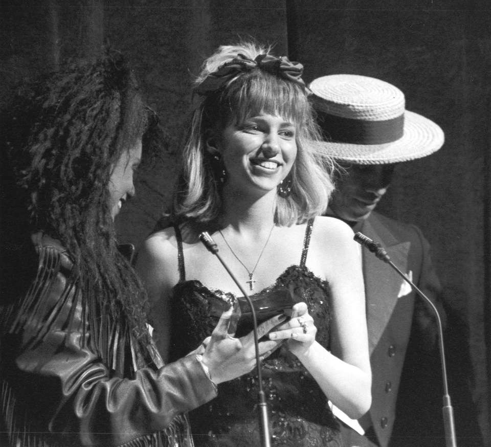 Debbie Gibson, 17, receives the best debut artist