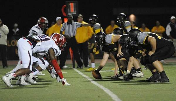 St. Anthony's offensive line sets against Stepinac in
