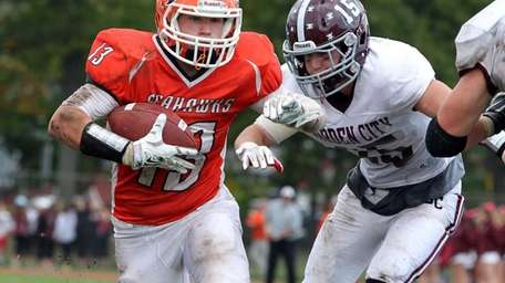 Carey's Nick Spillane runs for the second-half touchdown