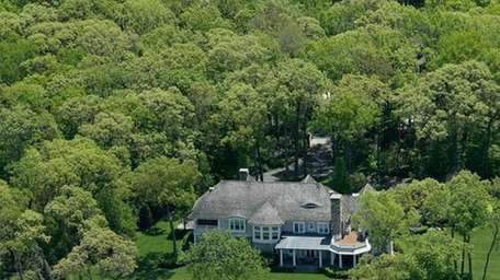 Retired hockey player Pat LaFontaine's house in Lloyd