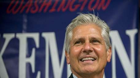 Bruce Blakeman accepts the Republican nomination for the
