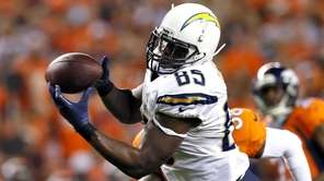 San Diego Chargers tight end Antonio Gates pulls