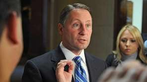 Republican gubernatorial candidate Rob Astorino speaks to the