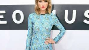 Taylor Swift arrives at the MTV Video Music