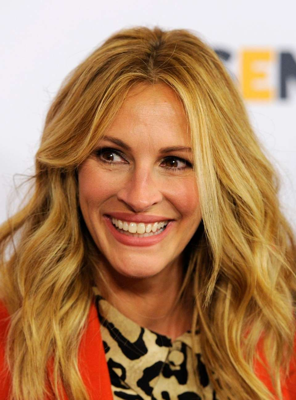 Julia Roberts arrives at the 10th Annual GLSEN