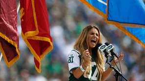 Jessie James Decker, wife of New York Jets