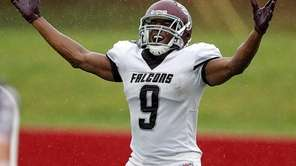 Deer Park running back Jasawn Thompson celebrates in