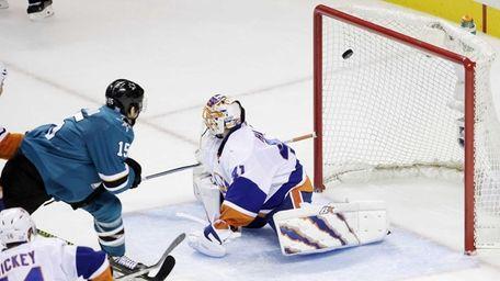 San Jose Sharks' James Sheppard scores past Islanders