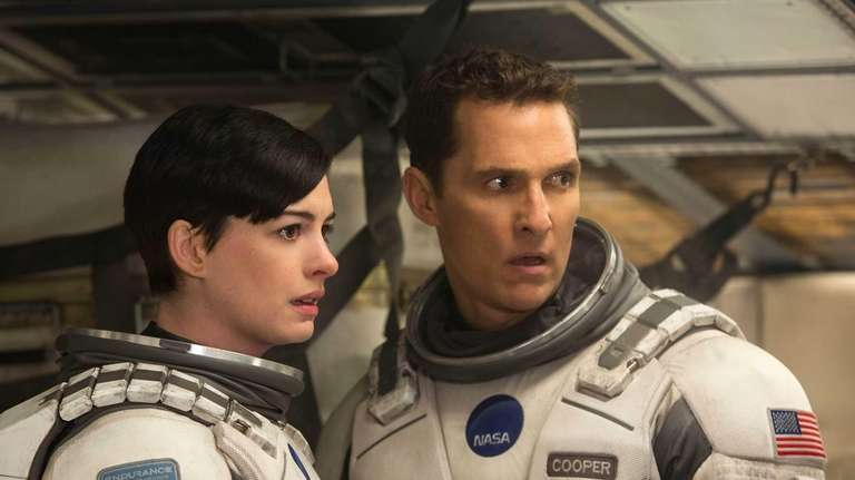 Matthew McConaughey and Anne Hathaway in