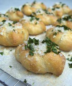 How to make garlic knots at home.