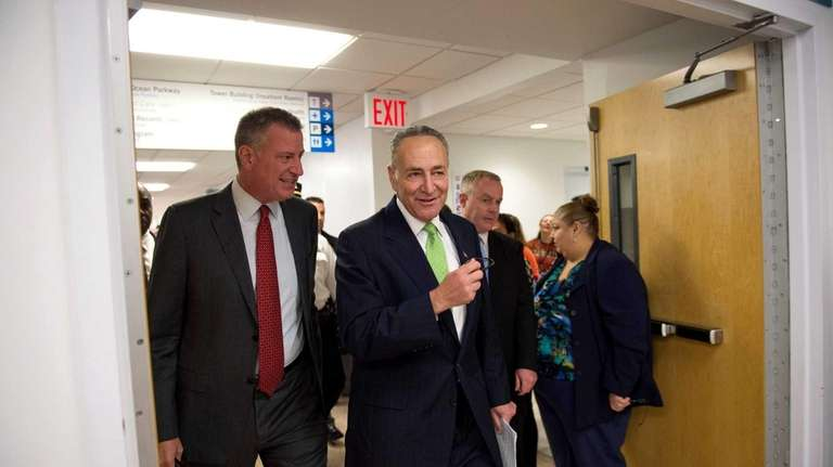 Mayor Bill de Blasio and Sen. Charles Schumer