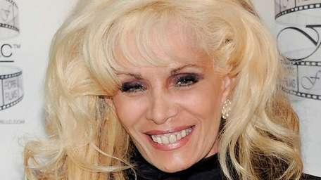 Victoria Gotti poses during a news conference in