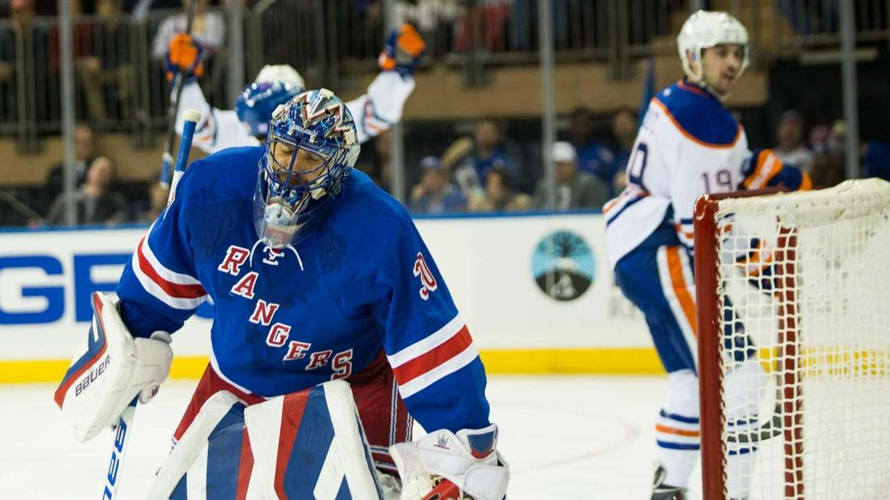 New York Rangers goalie Henrik Lundqvist (30) gives