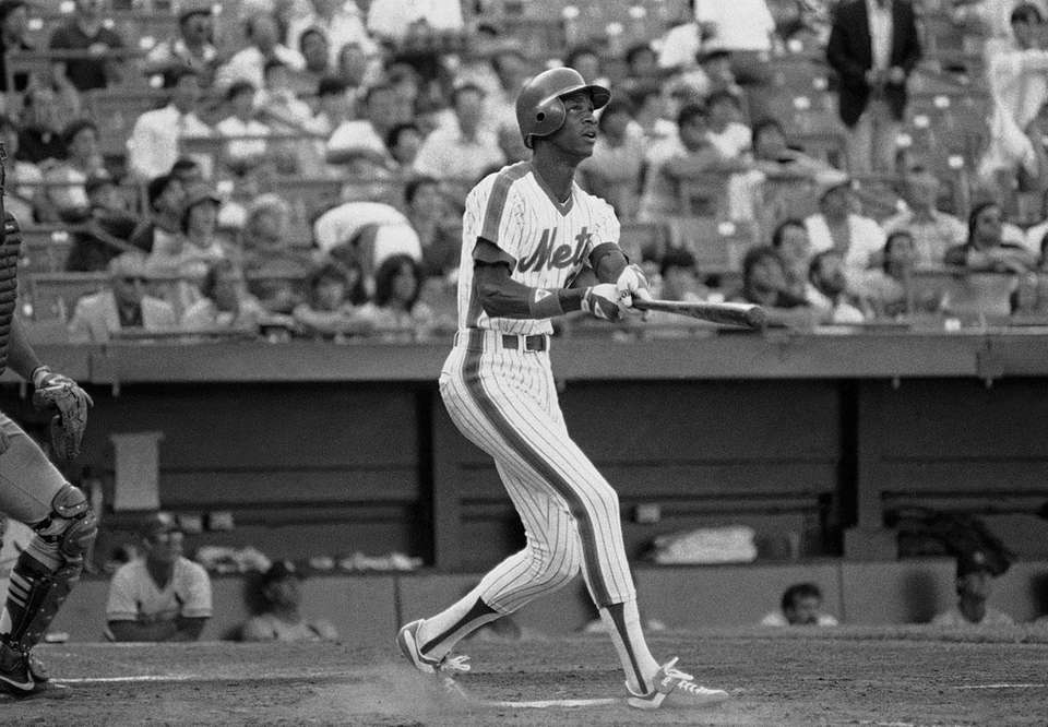Darryl Strawberry received 18 of 24 first place