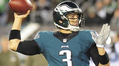 Mark Sanchez #3 of the Philadelphia Eagles throws