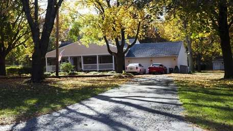 This a six-room ranch on Cedar Avenue shown