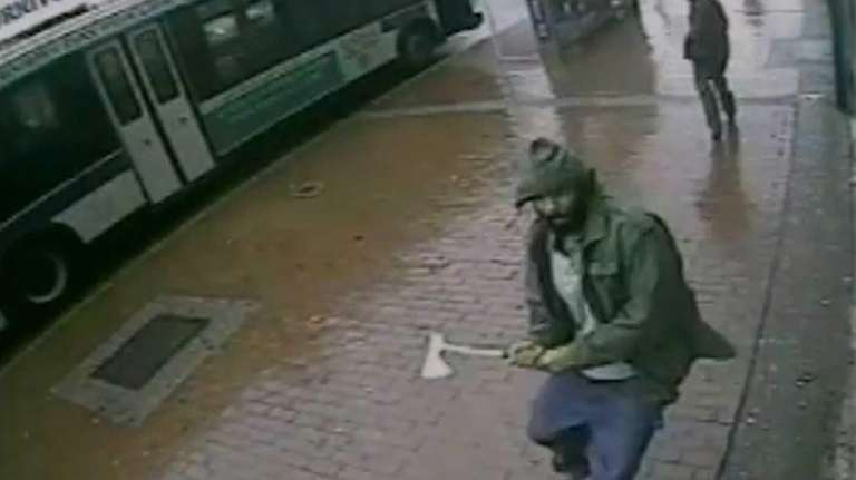 Video shows a suspect charging NYPD officers with