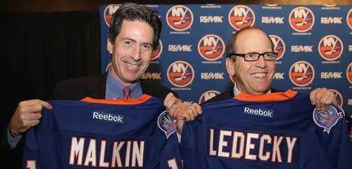 New York Islanders partners Scott Malkin, left, and
