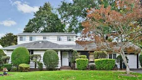 This home at 2010 Ladenburg Dr. in Westbury