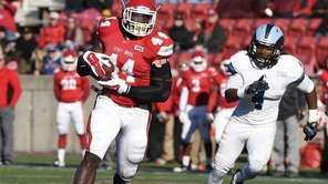 Stony Brook Seawolves tight end Will Tye runs
