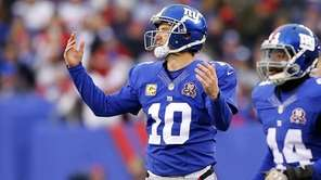 Eli Manning of the New York Giants reacts