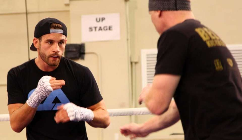 Chris Algieri (20-0) works with trainer Tim Lane