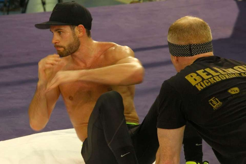 Chris Algieri's open workout ended with ab crunches