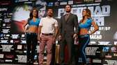 Manny Pacquiao and Chris Algieri pose during a