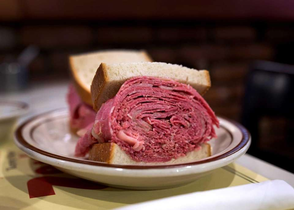 Corned beef sandwich at Zan's Kosher Delicatessen (135