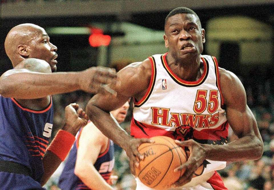 DIKEMBE MUTOMBO, East Atlanta Hawks Mutombo led the