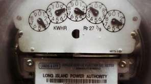 A LIPA electric meter in a Garden City