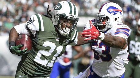 New York Jets running back Chris Johnson rushes