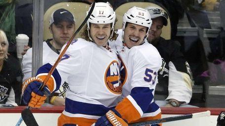 New York Islanders' Matt Martin celebrates his first-period