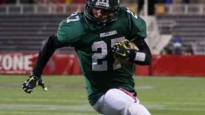 Lindenhurst's Gino Bonagura scores a touchdown in the