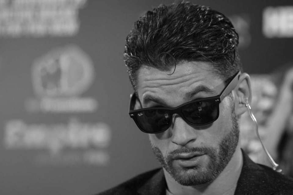 Chris Algieri gets situated for his satellite tour