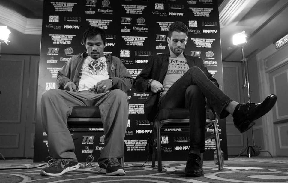 Manny Pacquiao, left, and Chris Algieri prepare for