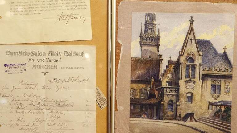 A watercolor of Munich's old city hall believed