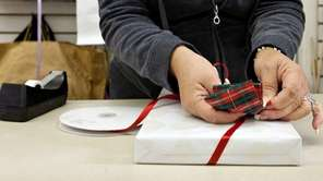 Many businesses see holiday gift-giving as good customer