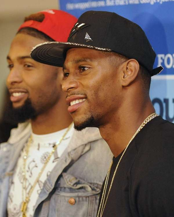 Giants wide receivers Victor Cruz, right, and Odell
