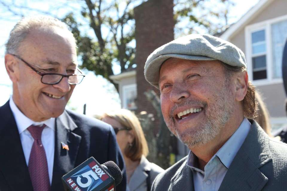 In 2014, Billy Crystal continued to help his