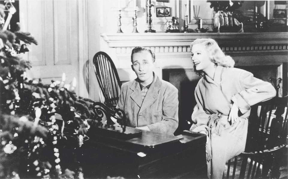 Bing Crosby and Marjorie Reynolds introduced the Oscar-winning