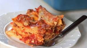 Pre-boiled or no-cook lasagna noodles, prepared tomato sauce,