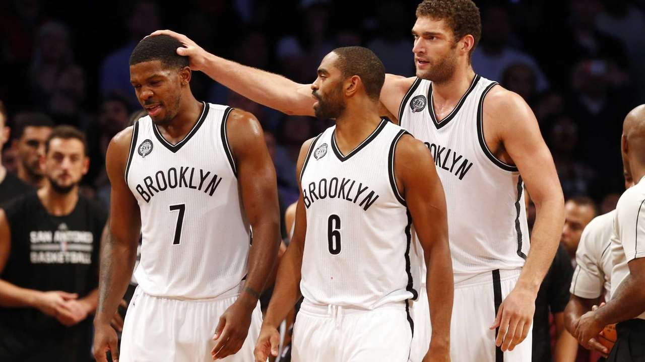 Joe Johnson, Alan Anderson, and Brook Lopez of