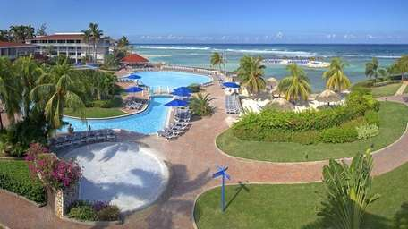 From April 12-30, 2015, Holiday Inn SunSpree