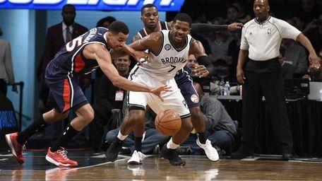 Atlanta Hawks guard Thabo Sefolosha steals the ball