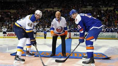 Former New York Islander Bobby Nystrom drops the