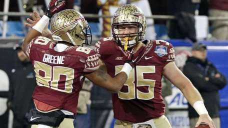 Florida State tight end Nick O'Leary celebrates his