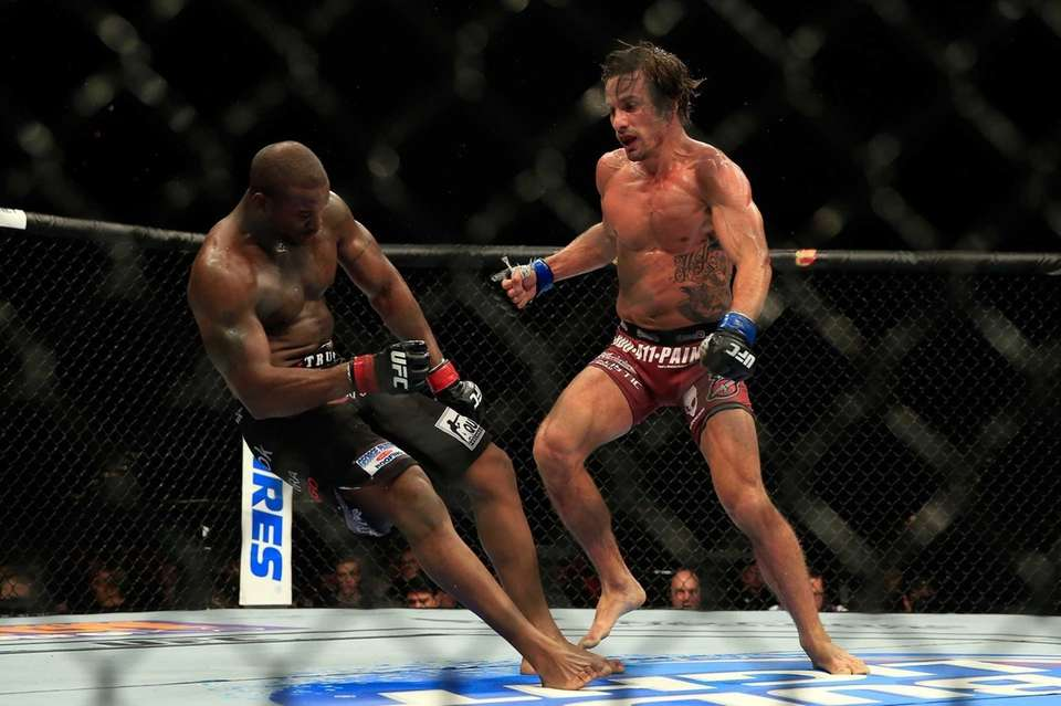 Josh Samman knocks out Eddie Gordon to win